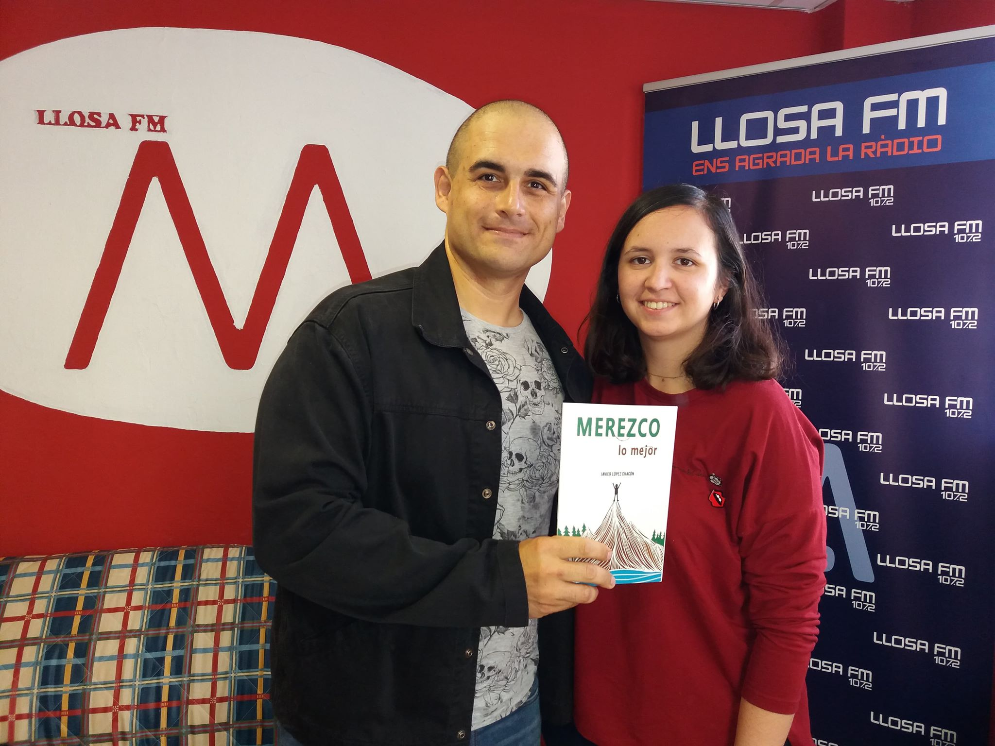 Llosa FM estrena el programa «Micro obert» amb una entrevista a l'escriptor Javier López Chacón